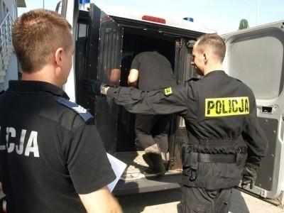Policjanci zatrzymali 62-latka na ulicy