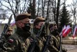 Nowi żołnierze w szeregach 1 Podlaskiej Brygady Obrony Terytorialnej. Ślubowanie złożyło 43 nowych terytorialsów [ZDJĘCIA]