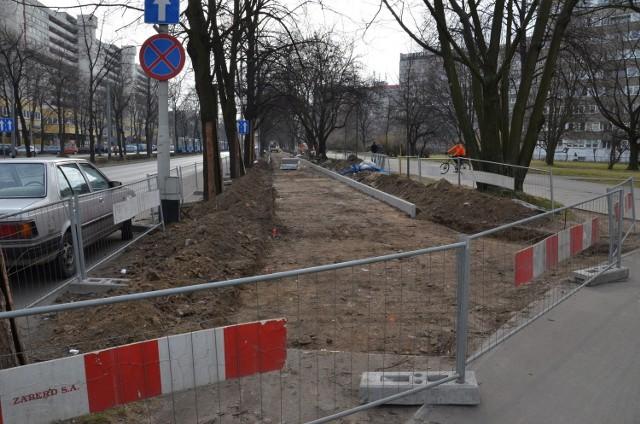 Budowa nowej ścieżki rowerowej przy ul. Powstańców Śląskich (od skrzyżowania z Wielką w kierunku Powstańców Śląskich)