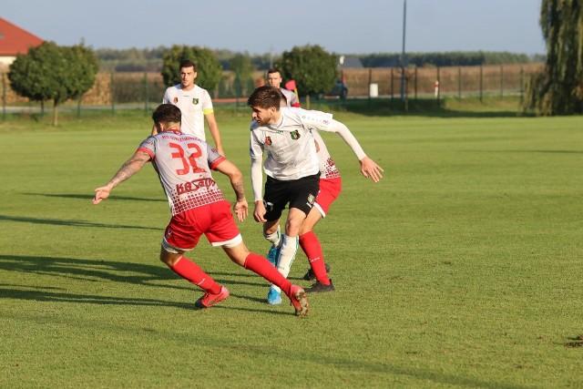 W pierwszym meczu z KSWiązownica Volodymyr Khorolskyi (biała koszulka) i jego koledzy ze Stali Stalowa Wola wygrali 6:0