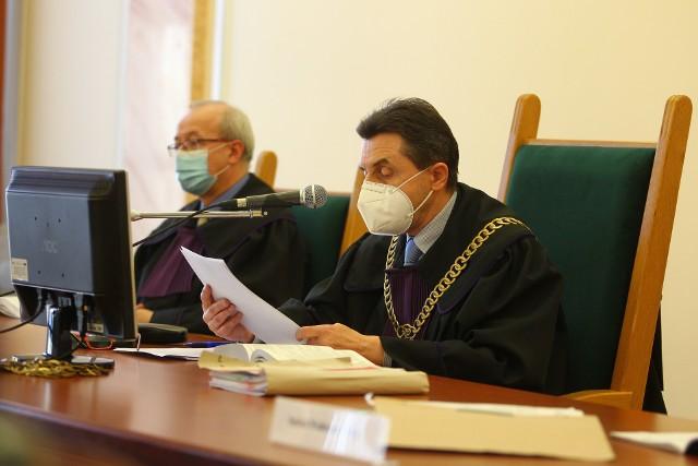 Sędzia Zygmunt Dudziński odczytał decyzję Sądu Apelacyjnego w Rzeszowie, który podtrzymał w mocy wyrok Sądu Okręgowego w Rzeszowie.