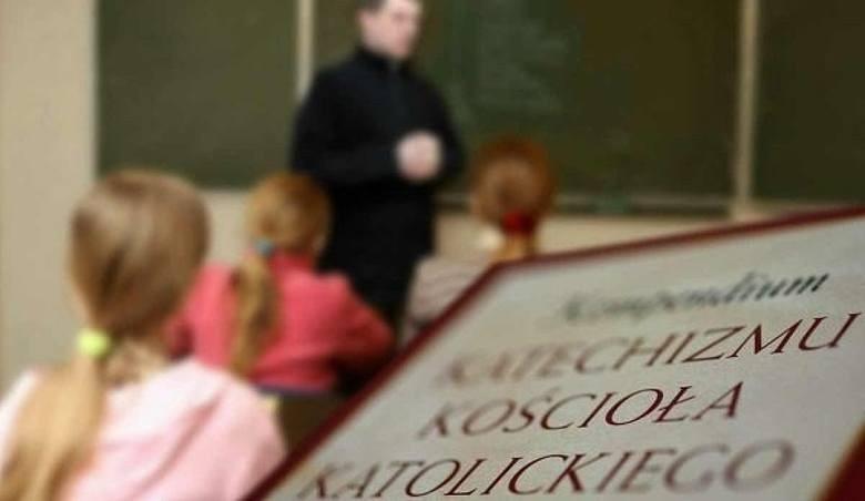 Proboszcz, a zarazem katecheta z Bystrej pod Gorlicami bił,...