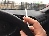 Palenie w samochodzie. Kiedy można dostać mandat?