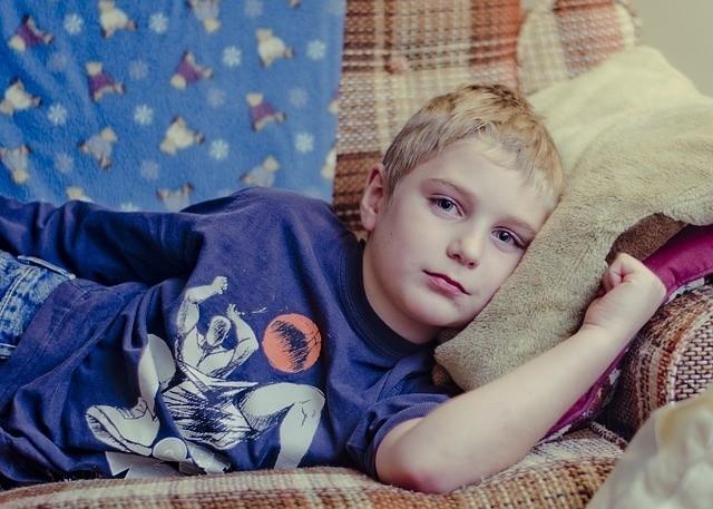 Zwolnienie na dziecko: jak otrzymać L4 na dziecko i czy jest ono płatne? Dowiedz się!