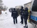 Dramatyczne zgłoszenie i poszukiwania zakrojone na szeroką skalę. Policjanci, strażacy, żołnierze w śnieżycy szukali zaginionego radomianina