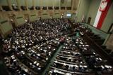 Zmiany w kodeksie wyborczym. W Sejmie trwa dyskusja o projekcie Prawa i Sprawiedliwości [TRANSMISJA]