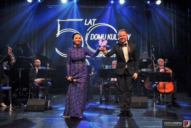 Otwarcie sali widowiskowej w domu kultury i uroczysty koncert z gwiazdami opery.