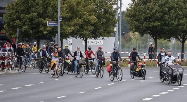 """""""Powitanie Rowerowej Trasy Grunwaldzkiej"""" zostało zorganizowane przez stowarzyszenie Rowerowy Poznań.Przejdź do kolejnego zdjęcia --->"""