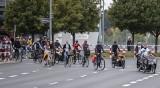 Poznańscy rowerzyści powitali nową drogę rowerową wzdłuż ulicy Grunwaldzkiej. Zobacz zdjęcia