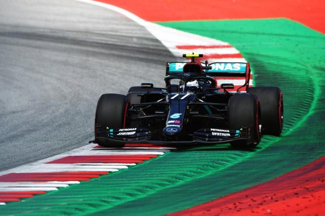 Zdziesiątkowany start F1. Wygrał Bottas, pech Hamiltona
