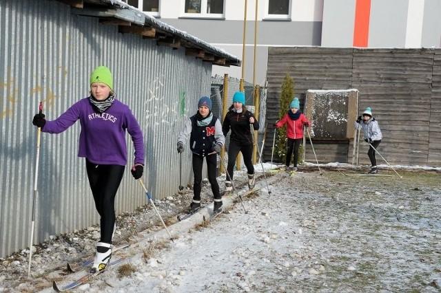 Nie możemy się już doczekać, kiedy powstanie ta wypożyczalnia. Może więcej osób zainteresuje się narciarstwem biegowym. Ja uprawiam ten sport cztery razy w tygodniu - mówi Jonasz Bakuń, uczeń V klasy w Zespole Szkół nr 6.
