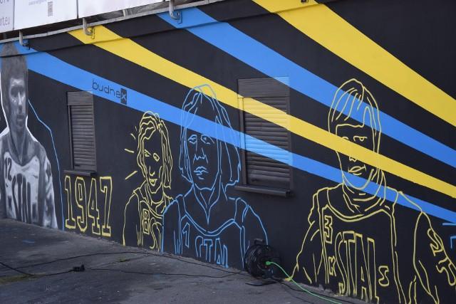 Mural z postaciami historycznych zawodników Stali Gorzów został odsłonięty 24 września.