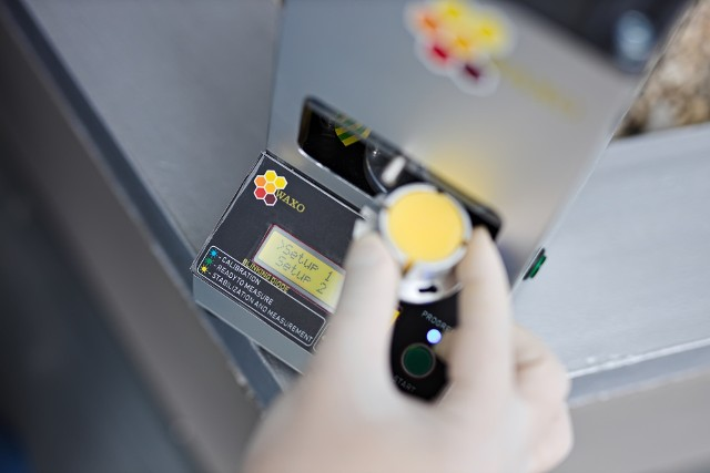 Waxo pozwala w szybki, a jednocześnie stosunkowo tani sposób ustalić jakość badanego wosku pszczelego
