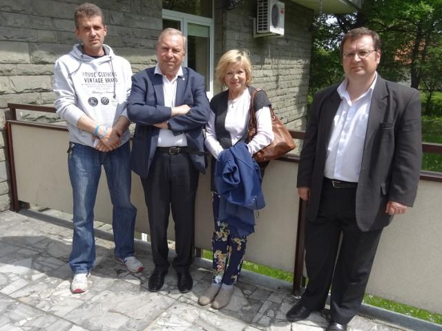 KAN pomógł w wyposażeniu Centrum Psychoonkologii, którego ambasadorem jest Jerzy StuhrNa zdjęciu od lewej Maciej Kawa, Probud, Jerzy i Barbara Sthurowie i Maciej Cisek, dyrektor regionu KAN