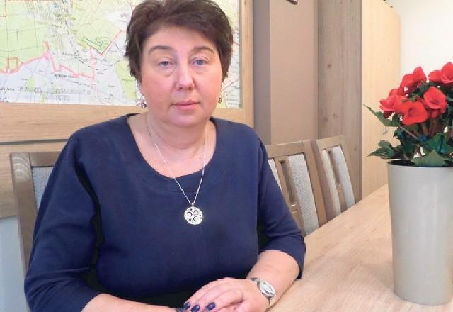 Wójt Barbara Kaczmarek, która wydała oświadczenie, w którym informuje, że informacje o spalarni opon są nieprawdziwe