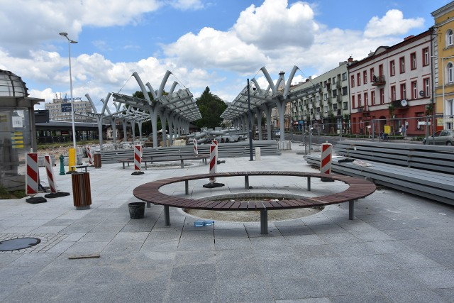 Centrum przesiadkowe przy ul. Piłsudskiego w CzęstochowieZobacz kolejne zdjęcia. Przesuwaj zdjęcia w prawo - naciśnij strzałkę lub przycisk NASTĘPNE