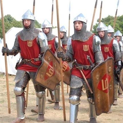 Kilkanaście tysiecy osób obejrzalo rekonstrukcje bitwy pod Grunwaldem. Batalie, tak jak w 1410 roku, wygrali Polacy i Litwini