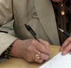 Zawierane bez przetargów polisy może kwestionować prezes Urzędu Zamówień Publicznych (fot. sxc.hu)