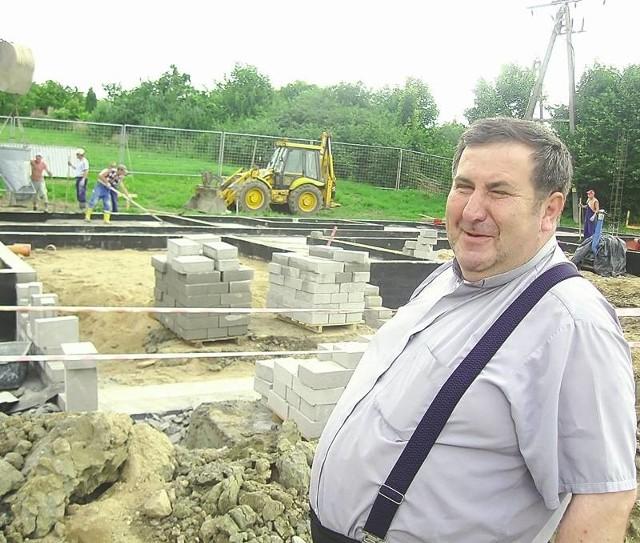 - Wierzę, że mieszkańcy wesprą nasze przedsięwzięcie i za rok hospicjum będzie gotowe - mówi ks. Zygmunt Czepirski.