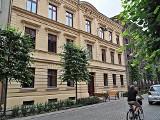 Łódź. Dobiega końca remont kapitalny zabytkowej kamienicy przy ul. Gdańskiej 1. Podczas prac odkryto cenne sztukaterie i polichromie