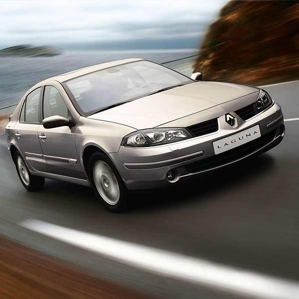 Laguna GT w pigułce * silnik - benzynowy 2,0 litra o mocy 205 KM* przyspieszenie 0-100 km/h - 7,4 sekundy* prędkość maksymalna - 232 km/h* średnie zużycie paliwa - 8,5 litra na 100 km* długość/rozstaw osi - 496/275 cm* pojemność bagażnika - 475 litrów* cena - od 110.800 zł