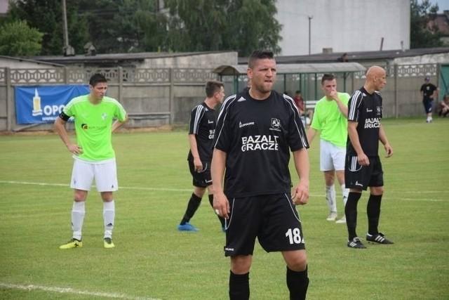Jarosław Chodorski (na pierwszym planie) zdobył gola na 2-0.