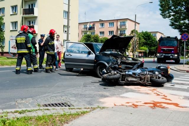 Wypadek w Gnieźnie: Motocyklista trafił do szpitala