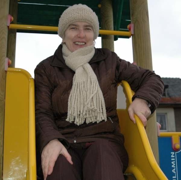 - Udało nam się zrobić już plac zabaw, ale to dopiero początek naszych planów - cieszy się Krystyna Hermańska, szefowa Stowarzyszenia Przyjaciół Ziemi Rzędowickiej.