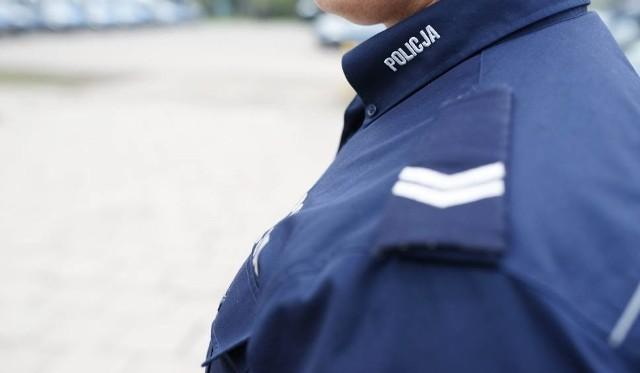 Mężczyzna trafił do policyjnego aresztu, skąd zostanie przetransportowany do zakładu karnego.