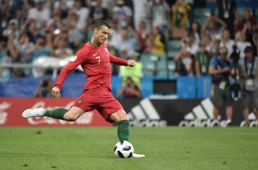 Mama Cristiano Ronaldo miała udar. Piłkarz jest w Portugalii