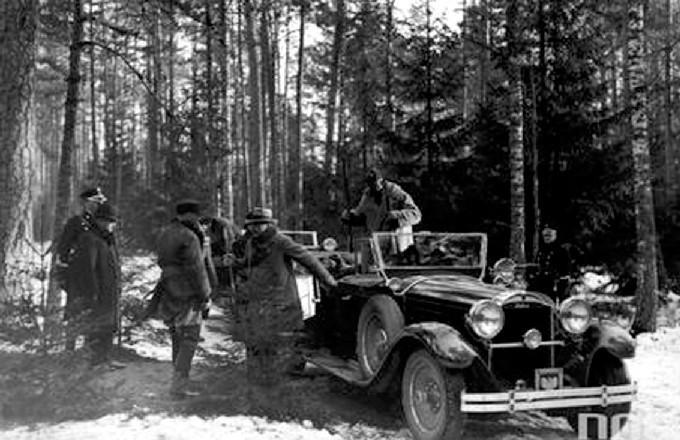 Polowanie reprezentacyjne w Białowieży, styczeń 1930 r....