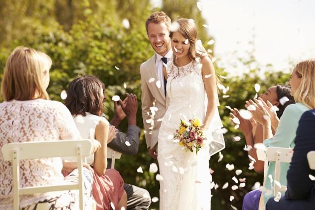 Planujecie ślub? Trafiliście idealnie! Wspólnie z Galerią Askana i Hotelem Fado przygotowaliśmy dla Was zabawę, w której możecie wygrać piękne wesele warte 14.000 zł.