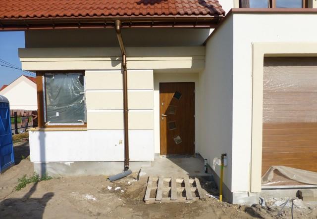 Budowa domu- Z naszych statystyk wynika, że podatnicy nie rezygnowali z możliwości odzyskania pieniędzy. W ciągu ostatnich czterech lat wypłacono z tego tytułu u nas ponad 20 milionów złotych - mówi Marek Majkuciński z I Urzędu Skarbowego w Radomiu.