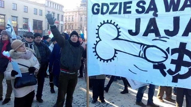 Szymon Pietrasiewicz mówił w prokuraturze, że baner miał wyrażać sprzeciw wobec postawy narodowców