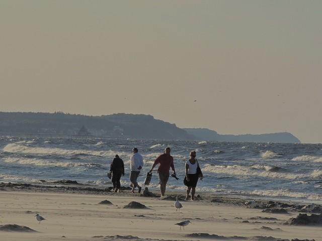 Ta plaża bije rekordy popularności. Każdy, kto był w Świnoujściu wie, jak duże wrażenie robi jej szerokość i czysty złoty piasek.