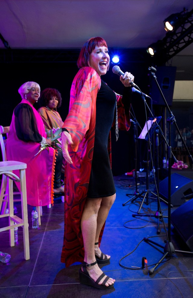 Jedną z wykonawczyń koncertu poświęconego Elli Fitzgerald była Spider Sallow