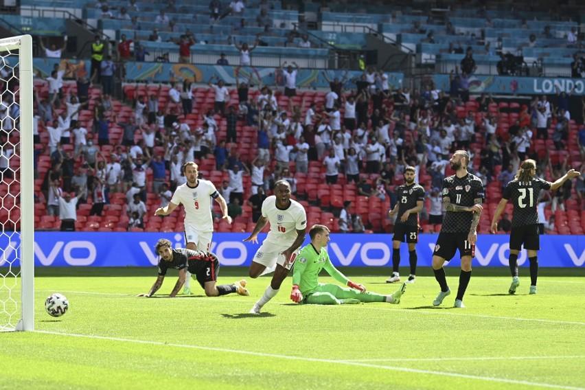 Sterling bohaterem Anglików. Eksperyment Southgate'a wypalił w meczu z Chorwacją. Rekord Bellinghama