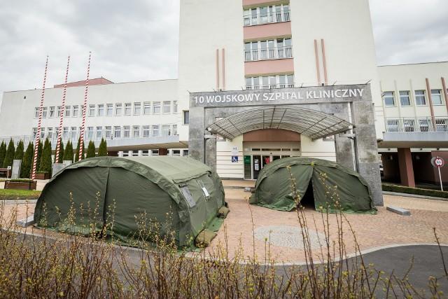 Pacjenci z oddziału neurochirurgii szpitala wojskowego trafili do szpitala w Grudziądzu.
