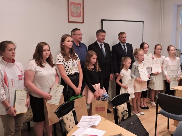 Nagrody odebrali m. in. uczestnicy konkursu plastycznego nt. bezpieczeństwa