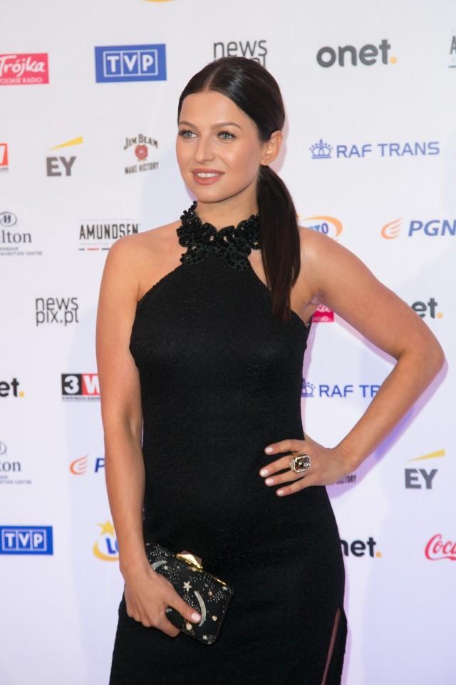 Kiedy Anna Lewandowska pojawiła się na balu mistrzów sportu, wszyscy zerkali na jej zaokrąglony brzuszek.