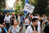 """Kraków. Protestowali przeciwko ministrowi Czarnkowi pod hasłem """"Edukacja, nie indoktrynacja!"""" [ZDJĘCIA]"""