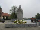 Wrocławski pomnik kanonizowanego papieża Jana XXIII ufundowała... PZPR