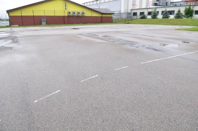 W miejsce starych placów przy Gimnazjum nr 4 i Szkole Podstawowej nr 10 powstaną nowe boiska.