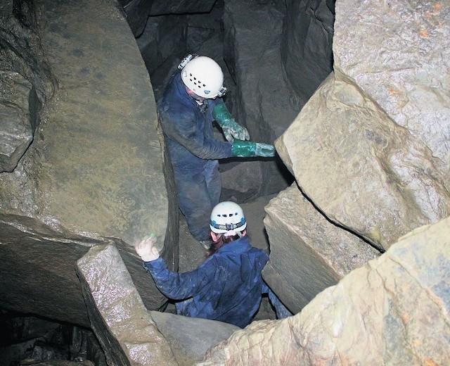 Jaskinie można zwiedzać niezależnie od pogody. Zawsze jest tutaj około 7 st. Celsjusza, nie wieje i nie grzmi