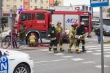 Wypadek w Słupsku na ulicy 11 Listopada. 72-letni kierowca potrącił 79-letniego rowerzystę [WIDEO, ZDJĘCIA]