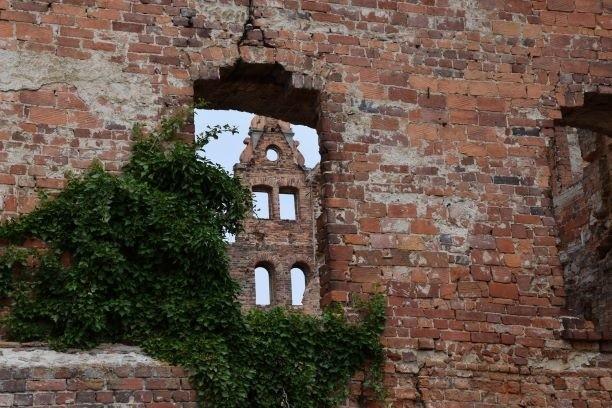 Zajrzyj z nami za mury zamku w Siedlisku i zobacz, jak zamek wyglądał ponad 100 lat temu.Kliknij w zdjęcie i przejdź do galerii >>>>>>