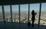 Punkt widokowy na Sky Tower otwarty. Straż: można wpuścić więcej ludzi [ZDJĘCIA]