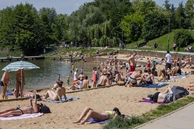 Nad krakowskie Bagry tłumnie ściągnęli plażowicze