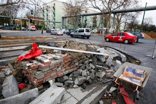 Kierowcy w poniedziałek mieli ciężki dzień z powodu remontów w Poznaniu.
