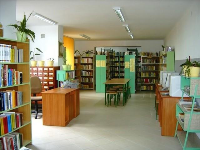 Gminna Biblioteka Publiczna w Poświętnem